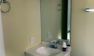Bathroom, 120 Lloyd St, 2