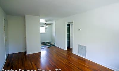 Living Room, 711 Oakview Rd, 1