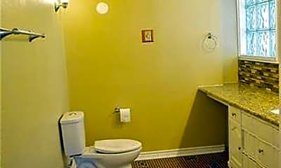 Bathroom, 2707 Wooded Acres Dr, 1