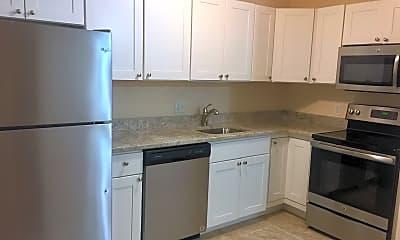 Kitchen, 260 Mt Auburn St, 0