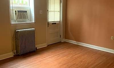 Living Room, 1241 Potomac Ave, 2