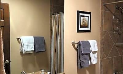 Bathroom, 685 Leisure World, 2