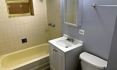Bathroom, 4402 W Washington Blvd, 2