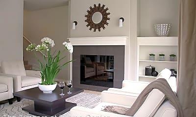 Living Room, 608 NE 86th St, 2