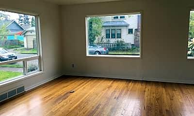 Living Room, 2405 NE Sumner St, 1
