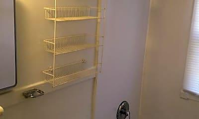 Bathroom, 602 Warren St, 2
