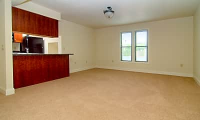 Living Room, 202 - 214 N Pinckney St, 2