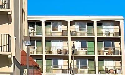 Building, 2611 N Ocean Blvd, 1