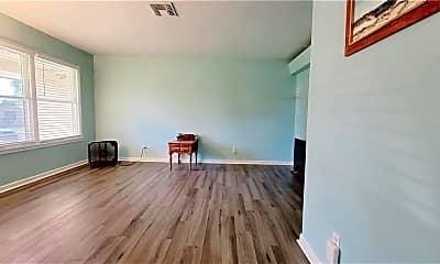 Living Room, 1118 Rickey Dr, 1