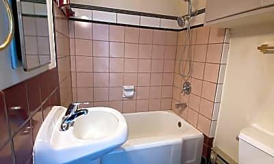 Bathroom, 2006 W 3rd Ave, 2