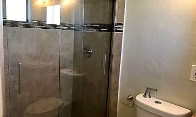 Bathroom, 1002 E Lester St, 2