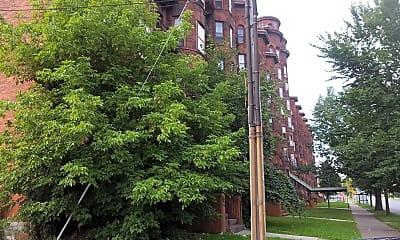 Olbiston Apartments, 1