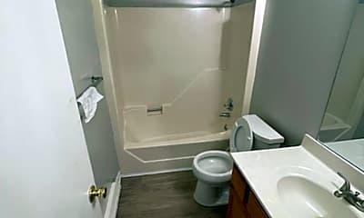 Bathroom, 4223 Ogburn Ave, 2