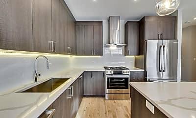 Kitchen, 816 W Cullerton St, 1