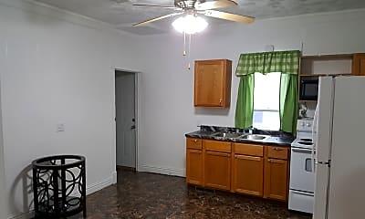 Kitchen, 1010 W 5th St, 1