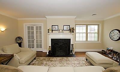 Living Room, 212 Idris Rd H2, 1