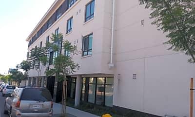 Talmadge Gateway, 2