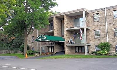 South Oaks Apartments, 1