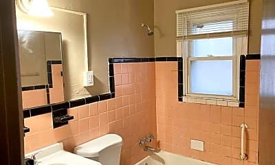 Bathroom, 477 Mueller Ave, 2