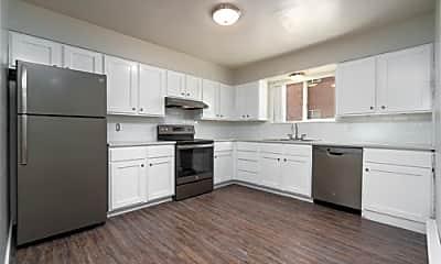 Kitchen, Pocatello Heights Apartments, 0