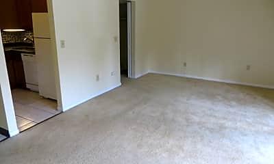Living Room, 102 McKnight Cir, 0