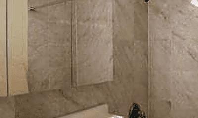 Bathroom, 425 E 80th St, 2
