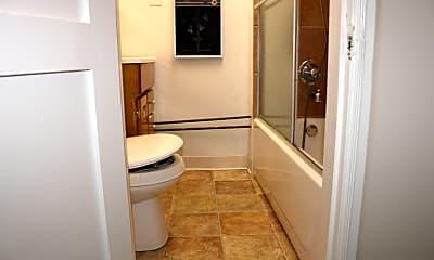 Bathroom, 200 2nd St, 2