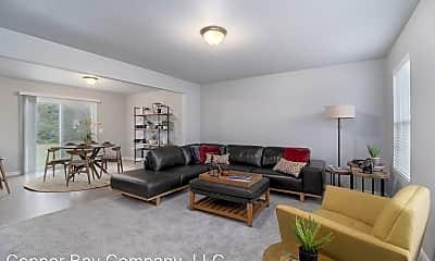 Living Room, 7142 Baton Rouge, 1