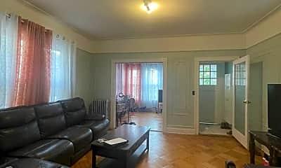 Living Room, 987 E 43rd St, 0