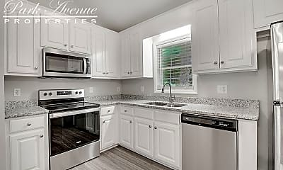 Kitchen, 428 Cloverdale Dr, 2