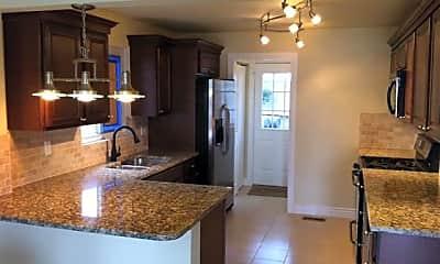Kitchen, 4995 Vallejo St, 1