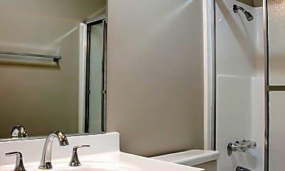 Bathroom, 433 N Louise St, 2