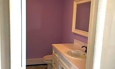 Bathroom, 505 W Montauk Hwy, 2
