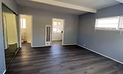 Living Room, 4426 E 7th St, 1