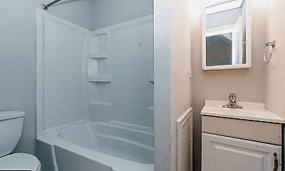 Bathroom, 3907 Spring Garden St, 2