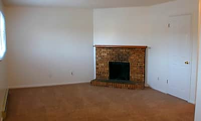 Living Room, 120 Clover Ct, 1