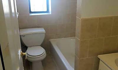 Bathroom, 679 Waring Ave, 2
