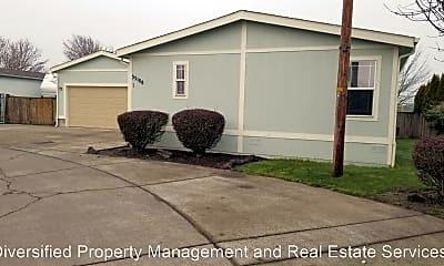 Building, 33175 McFarland Rd, 1