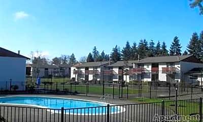 Pool, Pinewood Square, 2