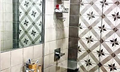 Bathroom, 380 Marcus Garvey Blvd, 2