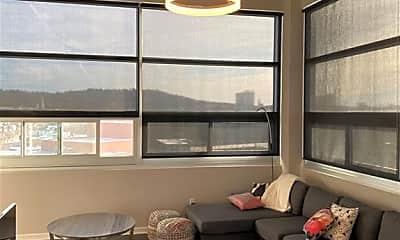 Living Room, 609 W Dickson St 805, 1