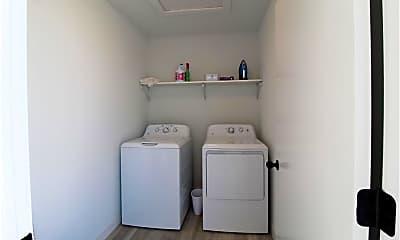Bathroom, 295 S Hill Ave, 2