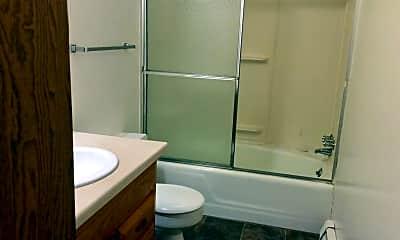 Bathroom, 417 2nd St E, 2