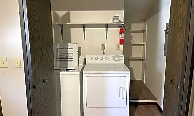 Bathroom, 624 W 5th St, 2