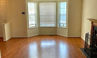 Living Room, 9 Heavrin Ct, 1
