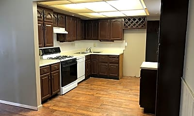 Kitchen, 1401 Holly Hill Dr, 1