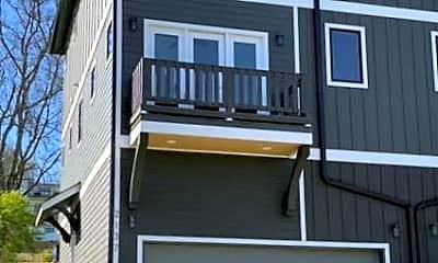 Building, 2137 Buena Vista Pike, 1