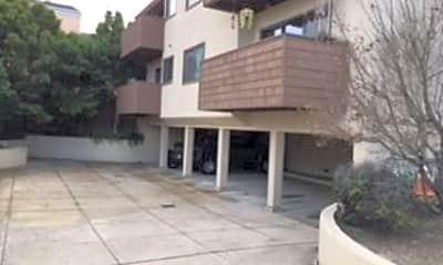 Building, 661 W Franklin St, 0