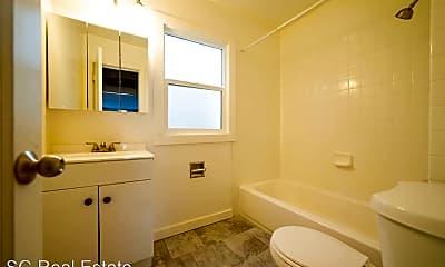 Bathroom, 2901 Nicol Ave, 2