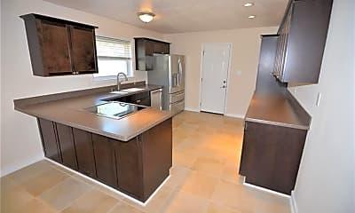Kitchen, 617 Breeds Hill Rd, 1